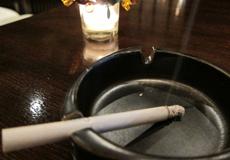 タバコと灰皿
